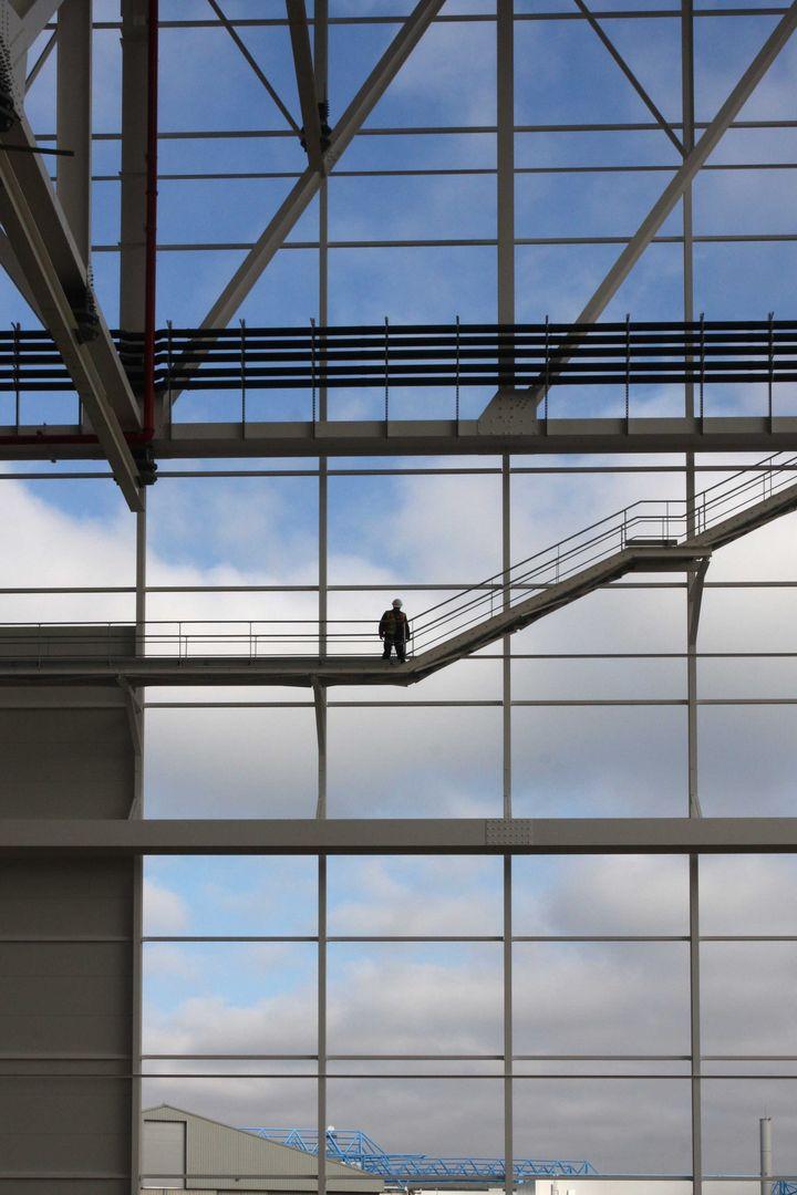 09_2014-a350-hall-avion-bureaux.jpg